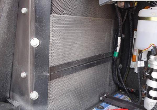 防尘网能防止发动机水箱散热器堵塞吗