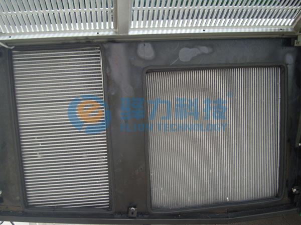 发动机冷却系统散热器冷却风扇何时开启运转